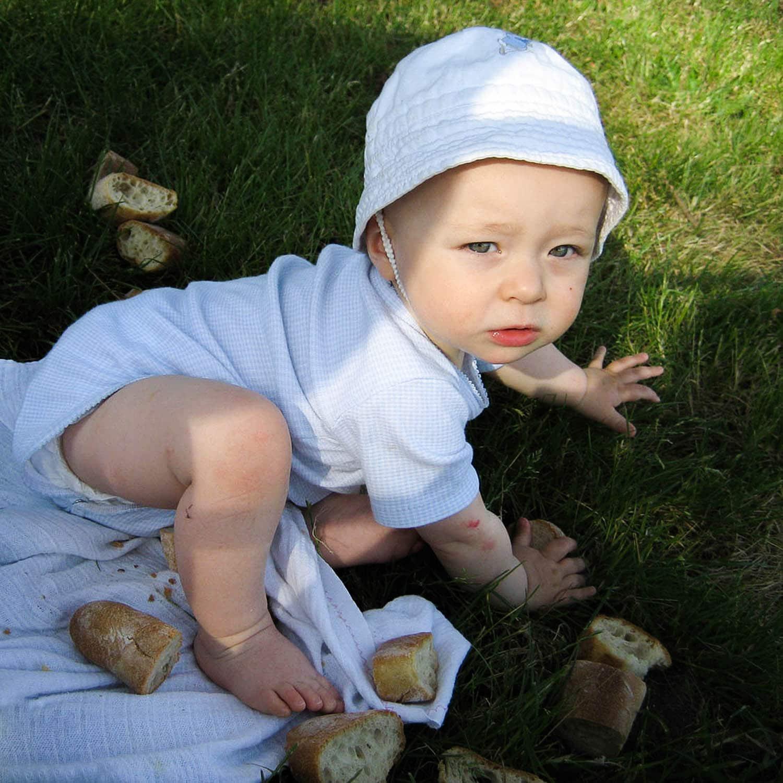Bébé aux croutons de pain, portrait