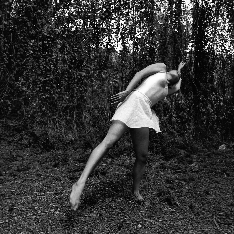 Danseuse dans le bosquet, La Havane, Cuba1999
